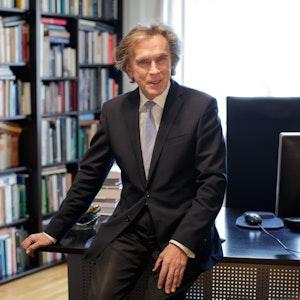 Dr. Emil Brix